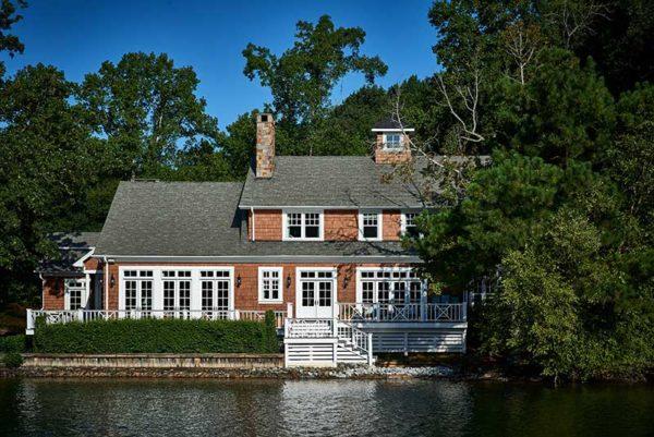 Lake Wylie lake home designed by Fort Mill Interior Designer, Lynn Blackwell.