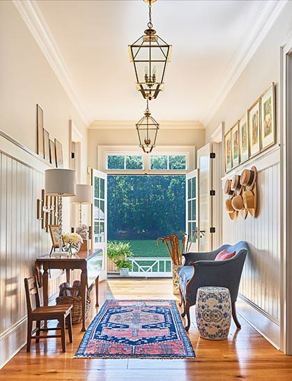 South Carolina home on Lake Wylie with a bright, open main entryway.