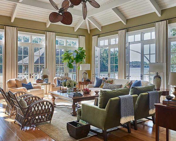 Charlotte interior designer creates beautiful bright and light main living space for a Lake Wylie lake house.
